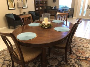 Dining table, 6 chairs for Sale in Boynton Beach, FL