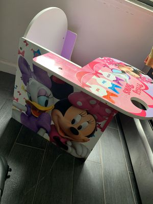 Kids Minnie Mouse desk for Sale in Queens, NY