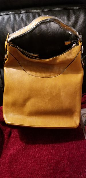 Fashion mustard colored bag for Sale in Woodbury, NJ