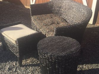 Wicker Loveseat With Footstool And Side Table for Sale in Olympia,  WA