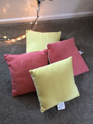 Room Essentials throw pillows for Sale in Imperial Beach, CA