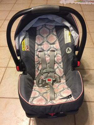 Graco baby car seat for Sale in Valrico, FL