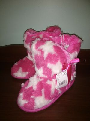 *Winter Closet* Brand New Youth Girls Pink Slipper Boots for Sale in Lithonia, GA