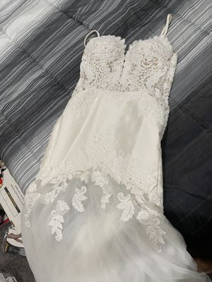 Beautiful wedding dress size 4 for Sale in Union City, CA