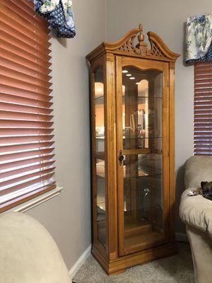 Curio cabinet for Sale in Turlock, CA