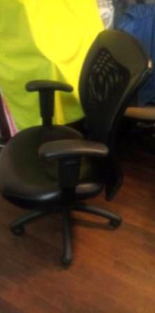 Herman Miller Mirra Office Chair for Sale in Worcester,  MA