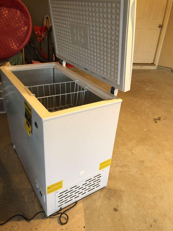 Deep freezer-igloo