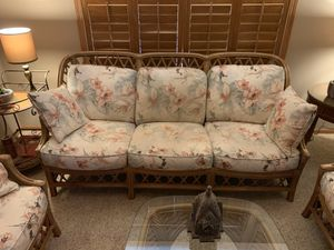 Wicker ratan 5 piece furniture set for Sale in Austin, MN