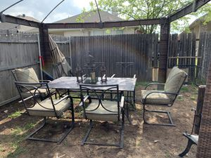 8 piece outdoor patio table set for Sale in Fort Worth, TX