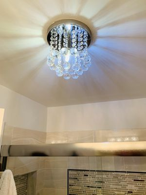 chandelier for Sale in Buffalo Grove, IL