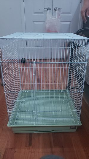Quaker parrot bird cage with dishes for Sale in The Bronx, NY