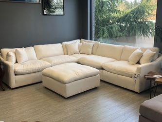 New & Available For Pre Order! 5 Piece Modular Off-White Sectional $1999! Ottoman $199 for Sale in Vancouver,  WA