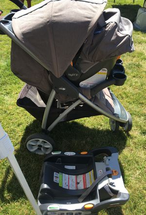 Chico baby stroller set with base for Sale in Zillah, WA