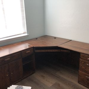 Large Corner Computer Desk for Sale in Clovis, CA