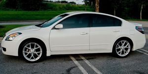 Sell 2007 Nissan Altima White color for Sale in Denver, CO