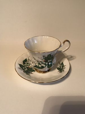 Antique Society Fine Bone China Tea Cup & Saucer for Sale in Surprise, AZ