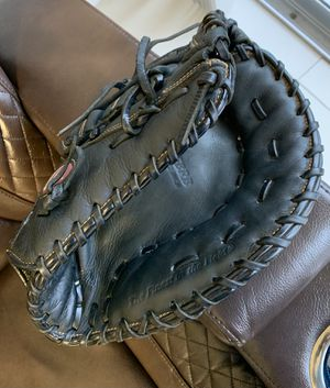 Rawlings Right hand first baseman glove 12/5 for Sale in Hialeah, FL