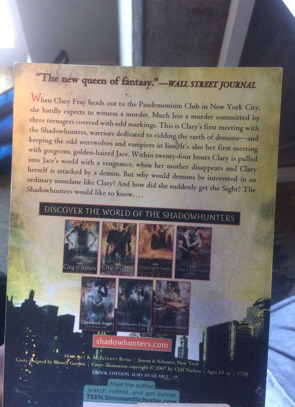 City of Bones by Cassandra Clare (books)