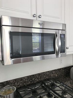 Whirlpool Microwave/Hood for Sale in Chula Vista, CA