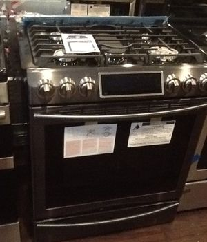 New open box Samsung gas range NX58K9500WG for Sale in Downey, CA