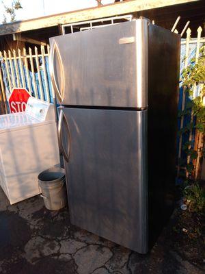 refrigerator Frigidare for Sale in Los Angeles, CA