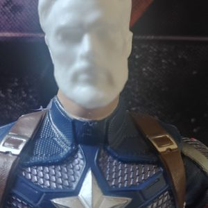 """CAPTAIN AMERICA & IRON MAN 7"""" HEADS for Sale in Lake Elsinore, CA"""