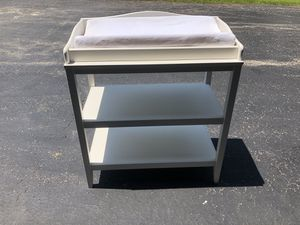 Pottery Barn Kids Baby Changing Table for Sale in HOFFMAN EST, IL