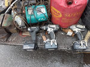 2 impact drills 1 driver drill 3 battery 1 charger for Sale in Los Angeles, CA