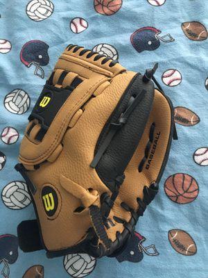 Wilson adjustable baseball glove BRAND NEW for Sale in Virginia Beach, VA