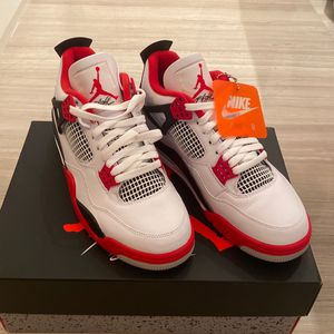 Air Jordan 4 Retro for Sale in Miami, FL