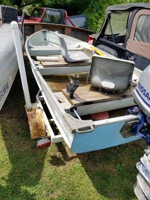 12' aluminum V bottom Jon boat for Sale in Sandusky, OH