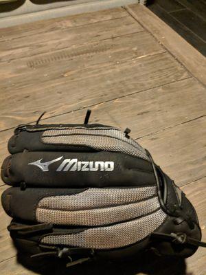 Mizuno baseball glove. 11inch youth for Sale in Phoenix, AZ