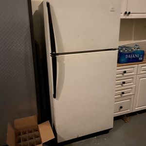 Refrigerator Freezer Works Great for Sale in Medford, NJ