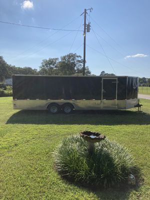 27'X8' enclosed trailer for Sale in Tyler, TX