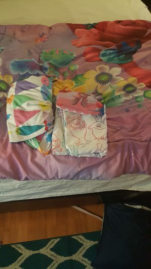 Twin size trolls comforter set. for Sale in Newport News, VA