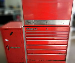 SNAP-ON TOOL BOX (Top, Middle,+ Side, w/Key) for Sale in Madison Heights, MI