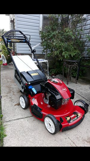 "Toro 22"" Inch Recycler Personal Pace Self Propelled Lawnmower W/Blade Stop System And Bag for Sale in Aurora, IL"