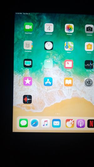 IPad air 2 like new for Sale in Cleveland, OH
