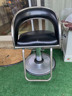 Haircut chair for Sale in Germantown, MD