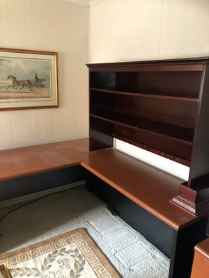 Beautiful desk with book shelf for Sale in Ewing Township, NJ