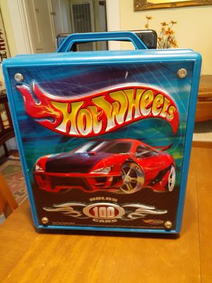 Hot Wheels storage rolling case for a hundred cars for Sale in San Diego, CA