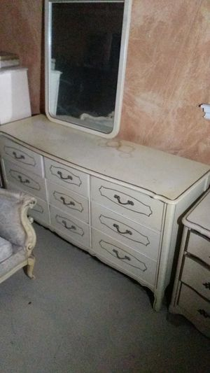 French provincial 9 drawer dresser with mirror for Sale in Victorville, CA