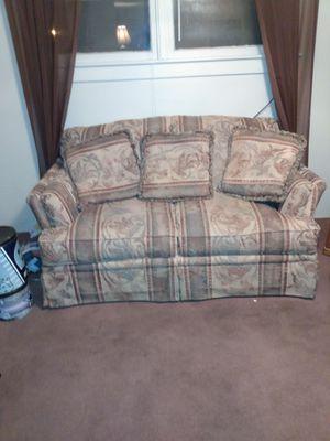 Love seat for Sale in Ellsworth, KS