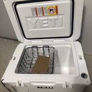 Yeti Cooler Tundra 35 for Sale in Santa Ana, CA