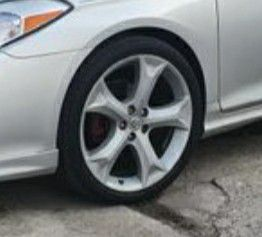 20s painted venza with low pro for Sale in Providence, RI