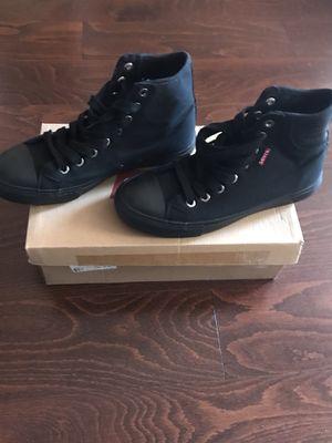 Levi's Hamilton buck black mono chrome casual shoe size 7.5 for Sale in Bronx, NY
