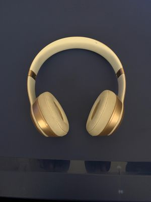 Rose gold wireless beats headphone for Sale in North Las Vegas, NV