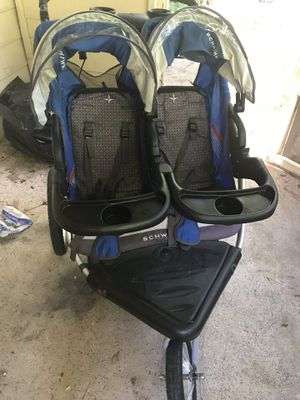 Double baby stroller for Sale in Lawrenceville, GA