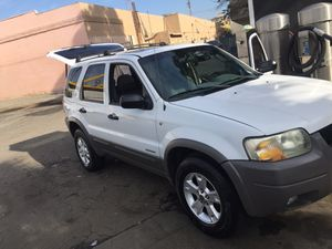 ford escape 2002,smog check, 6 cil,titulo limpio, for Sale in Long Beach, CA