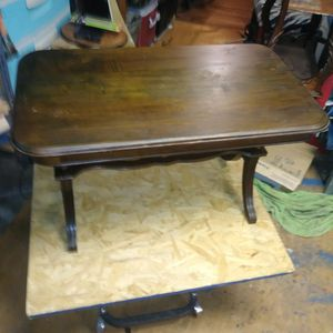 Vintage small coffee table for Sale in Wichita, KS
